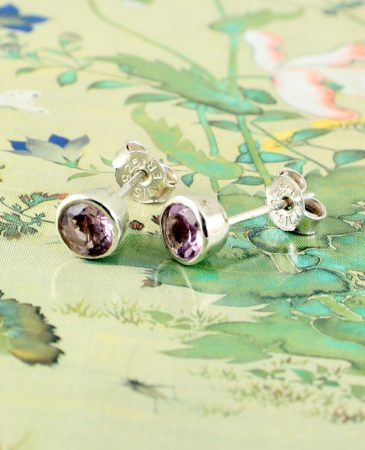 Light Amethyst Studs E-0225-e
