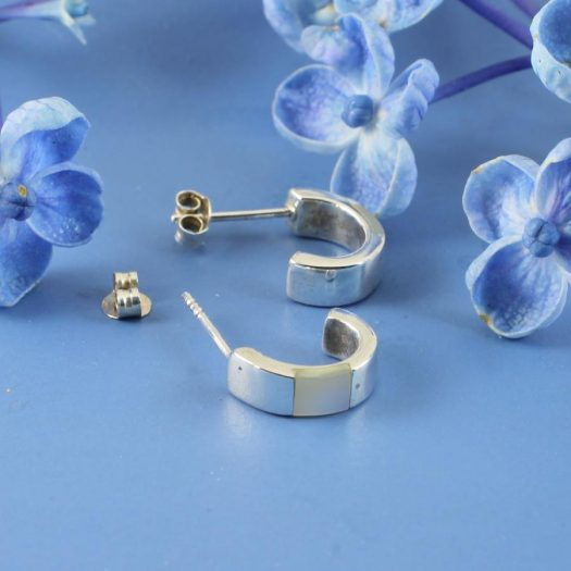 Mother-of-Pearl Curved Studs E-0218-g