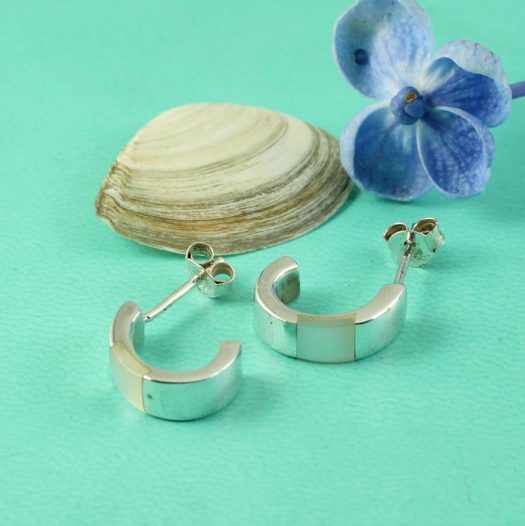 Mother-of-Pearl Curved Studs E-0218-h