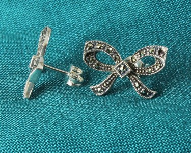 Marcasite_Bow_Stud_Earrings_E-0214-f