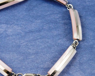 Pink_Mother-of-Pearl_Bracelet_B-0157-d