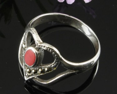 Garnet-&-Marcasite-Vintage-Style-Heart-Ring-R-0143-c