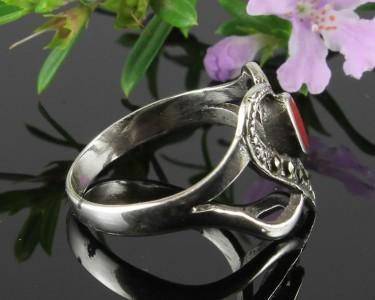 Garnet-&-Marcasite-Vintage-Style-Heart-Ring-R-0143-d