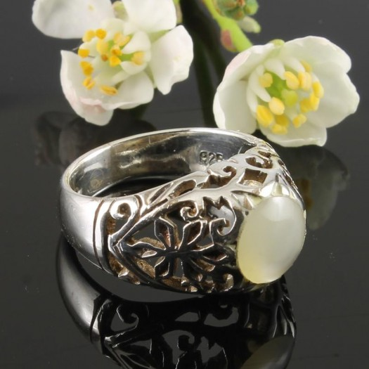 Moonstone Circle Silver Filigree Ring