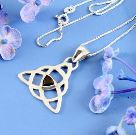 Garnet Celtic Triangle N-0225-a
