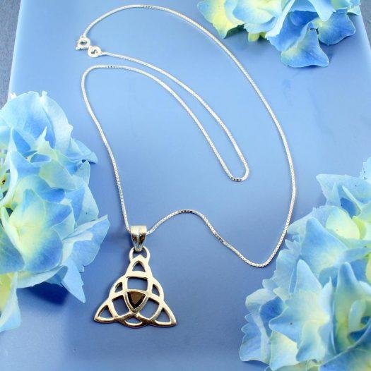 Garnet Celtic Triangle N-0225-f