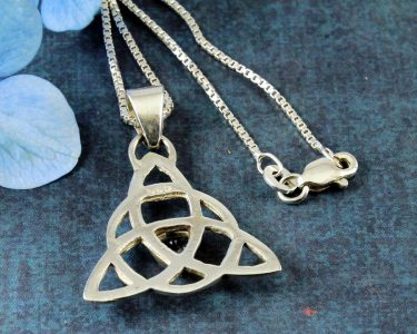 Blue Topaz Celtic Triangle N-0224-k