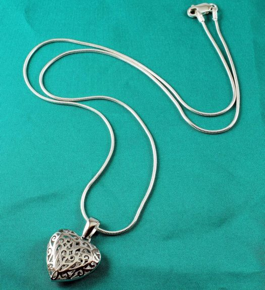 Filigree Openwork Heart Pendant N-0273-b
