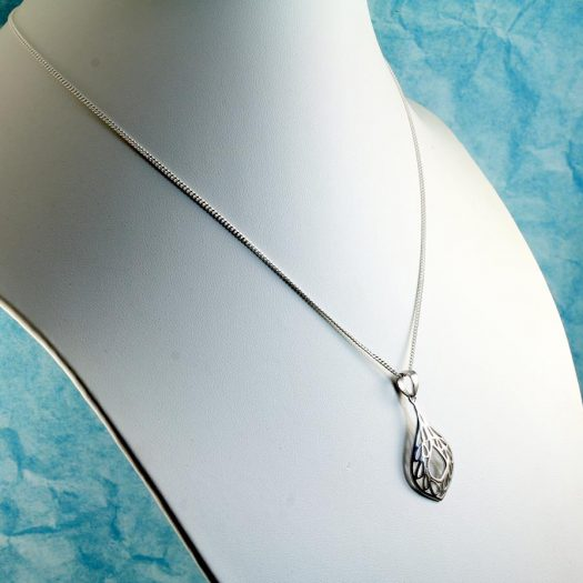 Filigree Teardrop Pendant Necklace N-0272-h