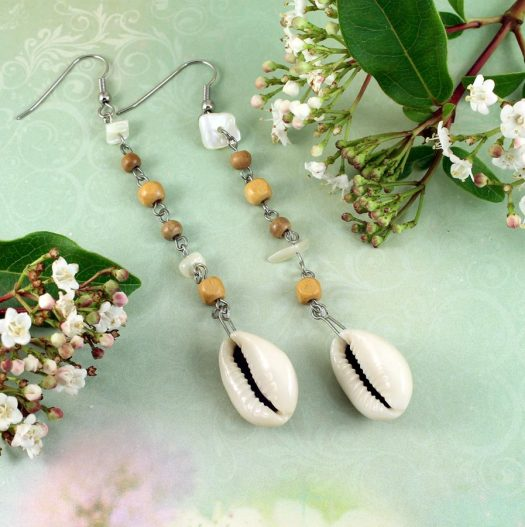 Cowrie Shell Earrings E-0114-b