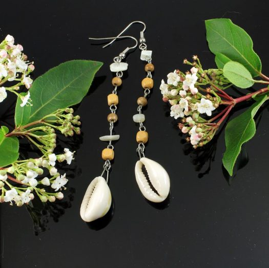 Cowrie Shell Earrings E-0114-c