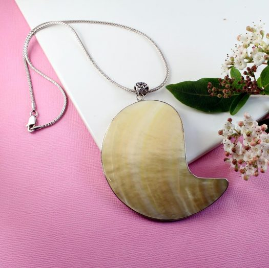 Mother-of-Pearl Pendant Necklace N-0163-k