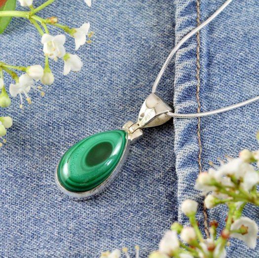 Malachite Teardrop Necklace N-0191-k